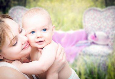 """За раждането, за думата """"мама"""", за новородените, за детските партита и други"""