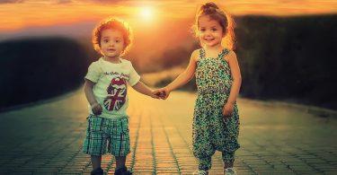 За майчиното щастие, за родителското ежедневие, за правенето на деца и други