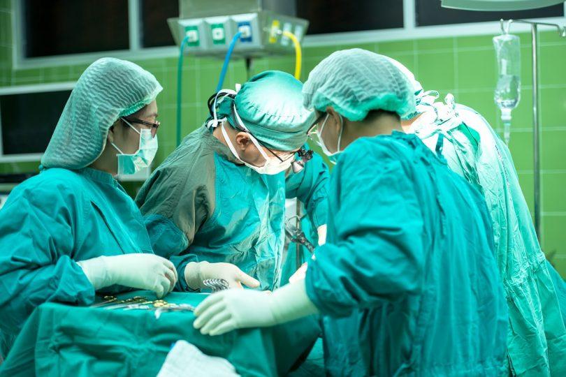 Лекари спасиха бебе с много рядка аномалия