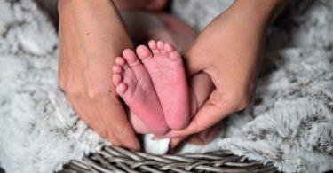 Еднократна помощ до 1900 лева при раждане на бебе в София